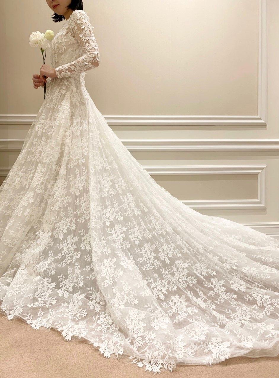 アントニオリーバの新作ウェディングドレスはオリエンタルホテルのホテルウェデイングにおすすめ