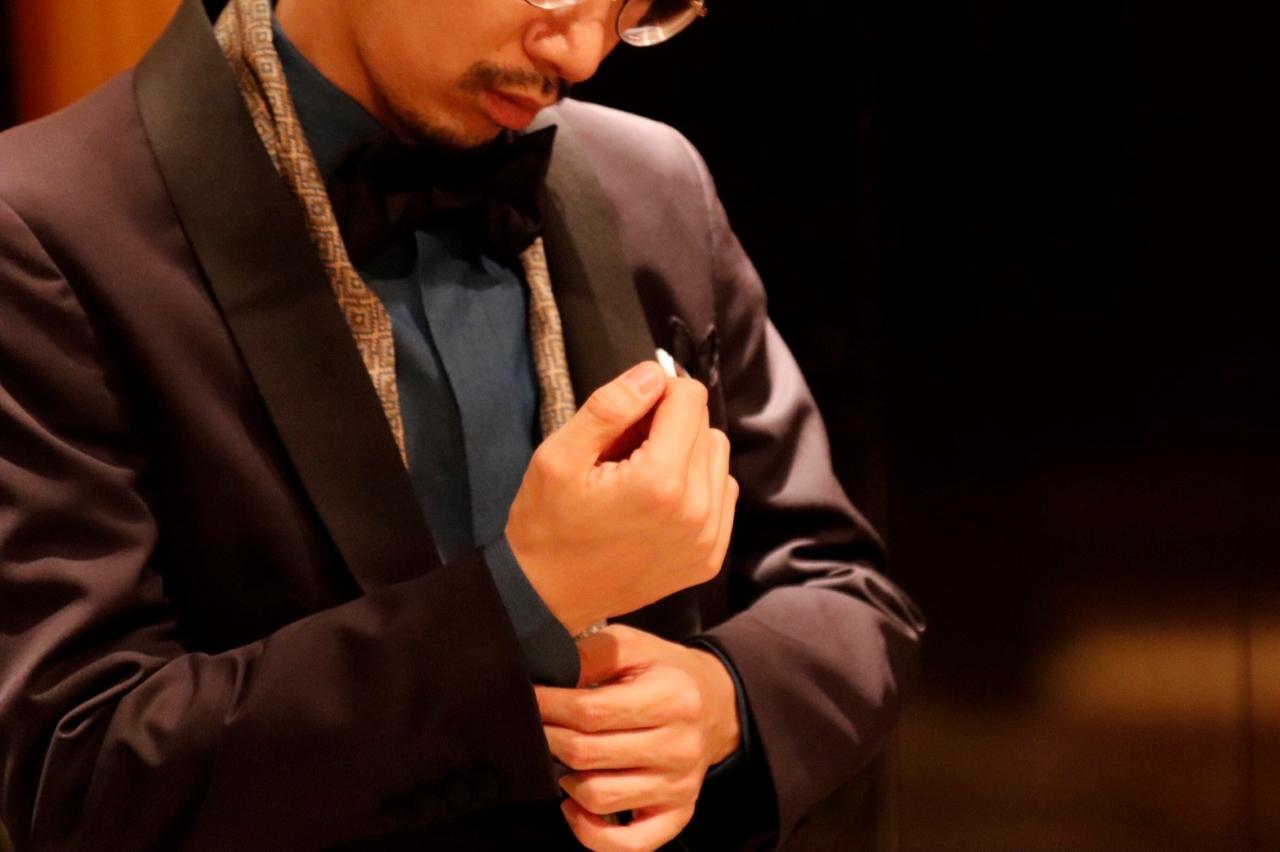 ネイビーのオーダータキシードを神戸のTHE TREAT DRESSING(ザ・トリートドレッシング)KOBE店でお仕立ていただく事が出来ます。