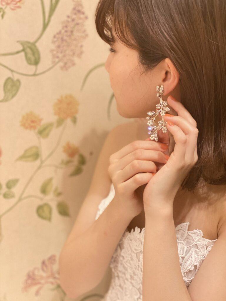 ウィズザスタイルのナチュラルなお式にぴったりな、マリアエレナのレンタルイヤリング