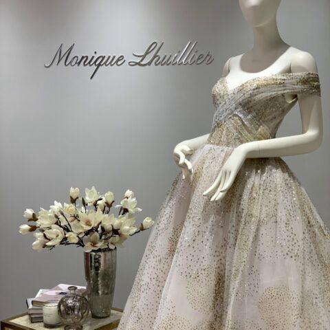 THE TREAT DRESSING(ザ・トリート・ドレッシング)を代表する(Monique Lhuillier)モニーク・ルイリエのブースのご紹介