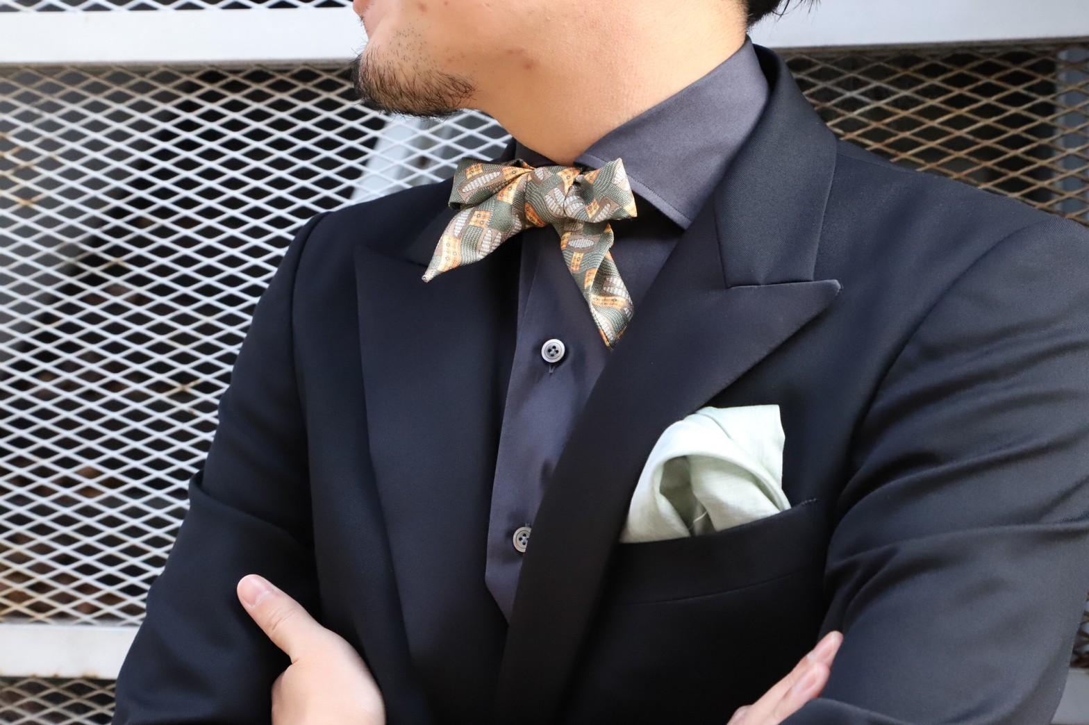 ザトリートドレッシングにてお取り扱いをしているイタリアブランドのシャツにシャルピーナを合わせたスタイリングのご紹介です。