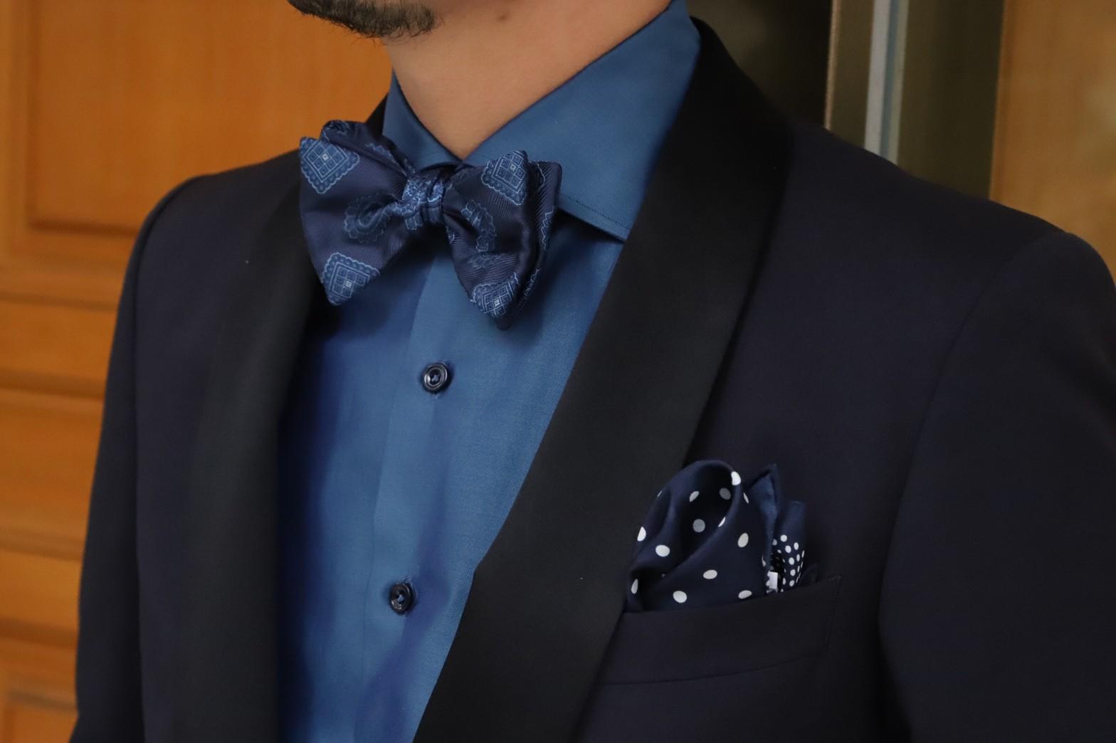 ザトリートドレッシング京都店がご紹介するご新郎様におすすめのタキシードに合わせたお色直しシャツです。