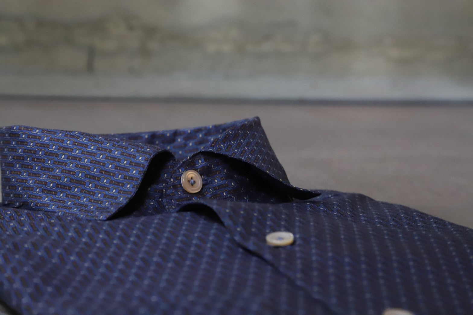 ザ・トリート・ドレッシングが提携するザ ソウドウ ヒガシヤマ キョウトなど格式の高い結婚式でのお色直しのスタイルは、エリコ フォルミコラ(ERRICO FORMICOLA)など上質なドレスシャツを使ったスタイリングがおすすめです。