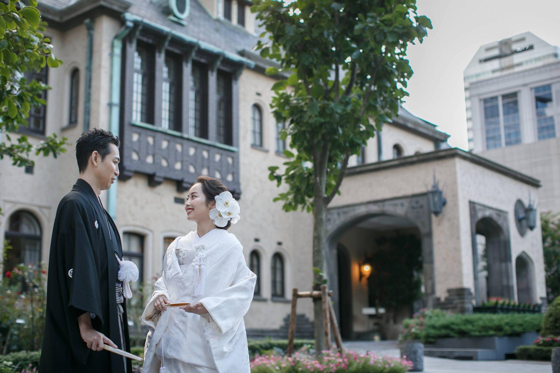 東京都心の駅からアクセスの良い赤坂プリンスクラシックハウスの建物は有形文化財にも登録されておりクラシックで落ち着いた雰囲気で、白無垢や色打掛などの和装での結婚式や前撮りも多くおこなわれている人気結婚式会場です