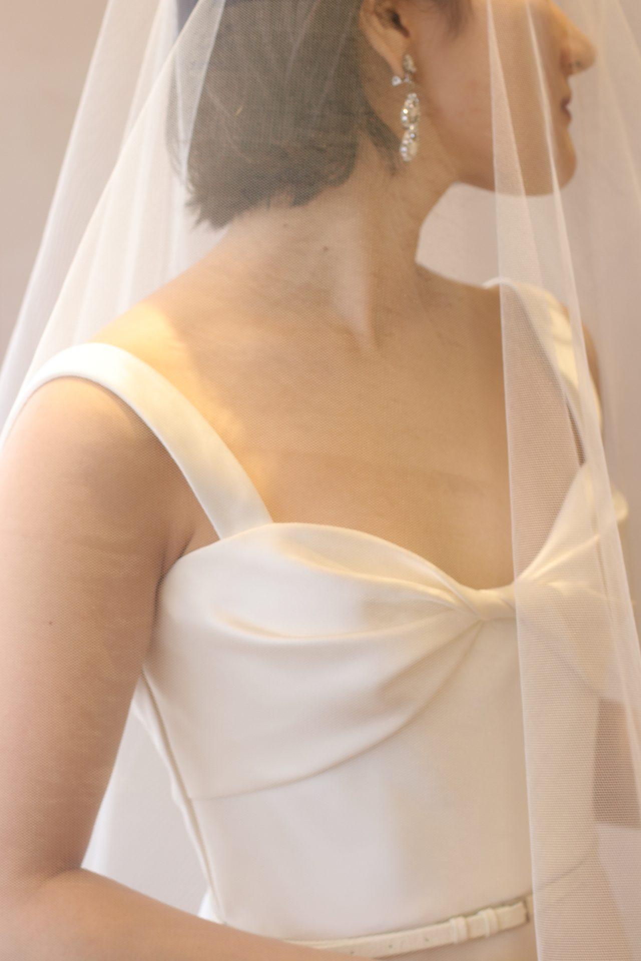 東京表参道にあるドレスショップ、ザ・トリート・ドレッシングではご結婚式には欠かせないアイテムとして刺繍やレースのオリジナルベールや透明感のある無地ベールまで数多く取り揃えており、会場や季節に合わせてご提案しております
