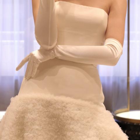 パレスホテル東京やアンダーズ東京のようなラグジュアリーホテルでのご結婚式に相応しいオートクチュールブランド、ヴィクター&ロルフは自分らしさを追求したいお洒落な花嫁様におすすめなブランドです