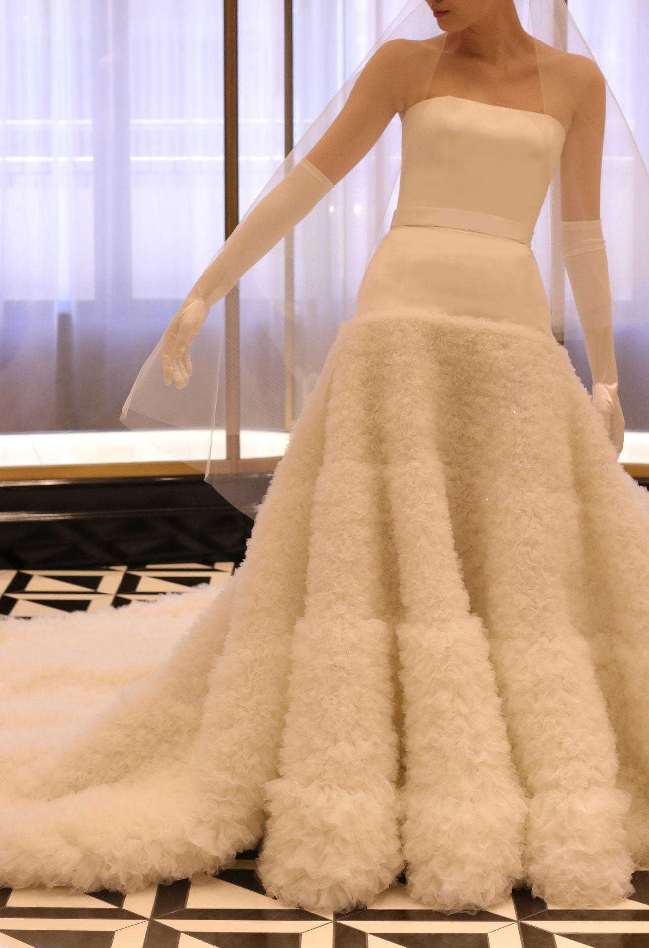 東京・表参道にあるTHETREATDRESSING ADDITION店は、ヴィクター&ロルフマリアージュをはじめとする最旬のインポートブランドを多数お取り扱いする唯一無二のセレクトショップとなっており、お洒落な花嫁様に人気のパレスホテル東京の提携ドレスショップです