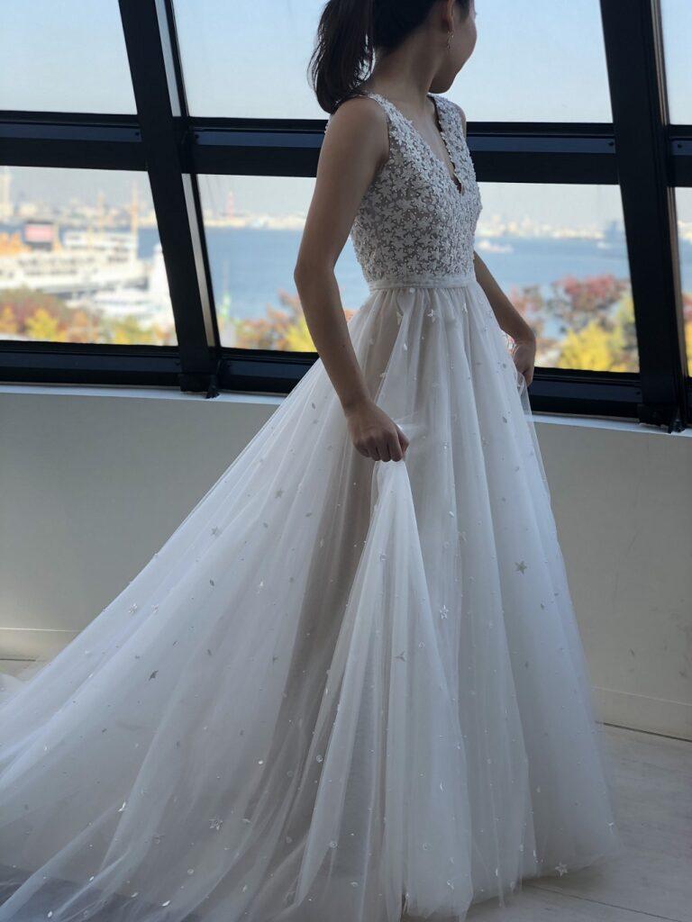 海が見える結婚式会場やみなとみらいでのフォトウェディングが叶うザトリートドレッシング横浜店のレンタルウェディングドレス