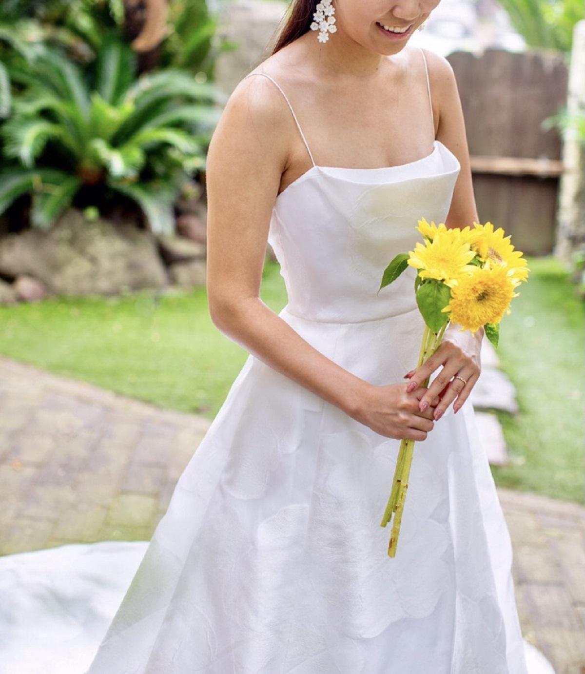 ザ・ルイガンズでのガーデンウエディングには、フラワーモチーフが可憐で華やかな、レンタルウエディングドレスがおすすめ