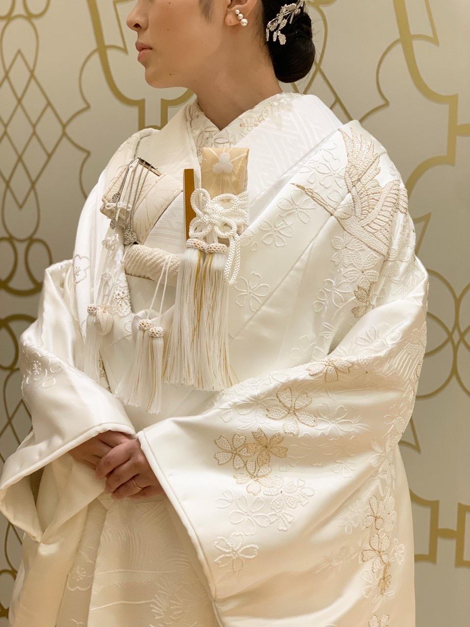 神戸・旧居留地に構えるオリエンタルホテル神戸でお式を挙げられる花嫁様におすすめの重厚感ある華やかな白無垢