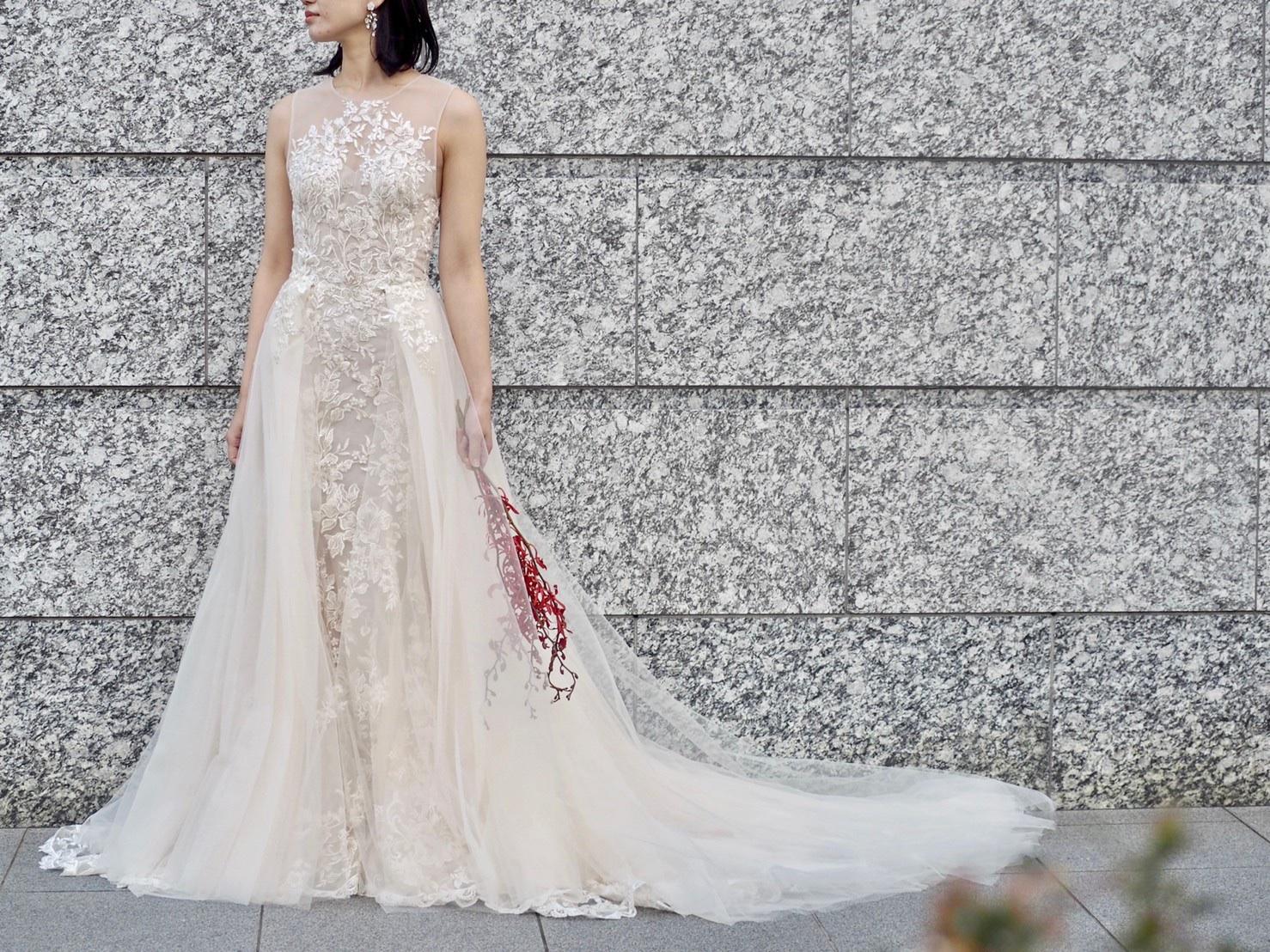 ザ・トリートドレッシング神戸店にてお取り扱いのあるオーバースカートとマーメイドドレスがお楽しみいただけるドレスのご紹介