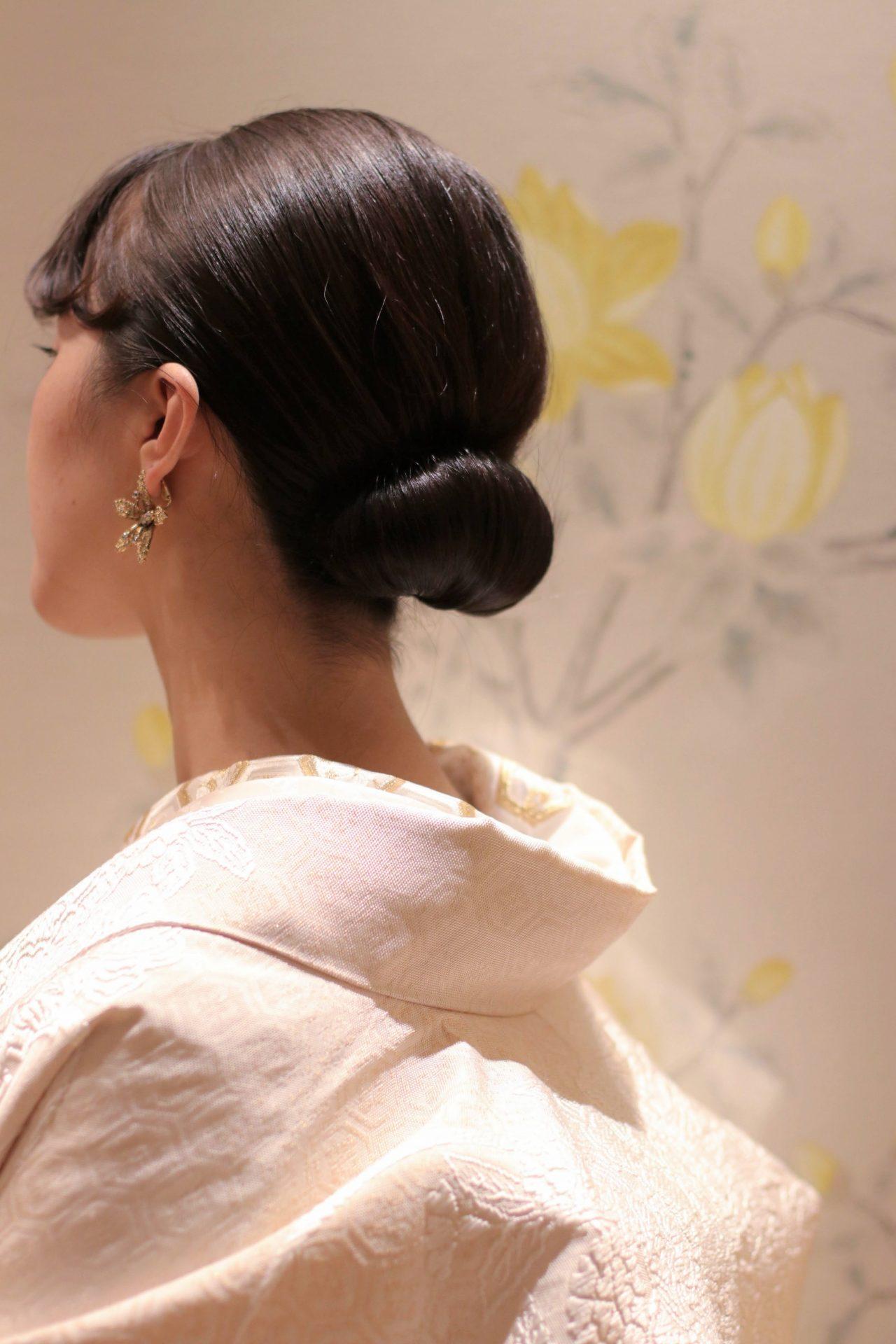 東京の人気結婚式会場であり人気レストランの赤坂プリンスクラシックハウスと提携しているTHETREATDRESSING ADDITION店では春のガーデン式等アットホームな人前式にぴったりのモダンな和装をご用意しております
