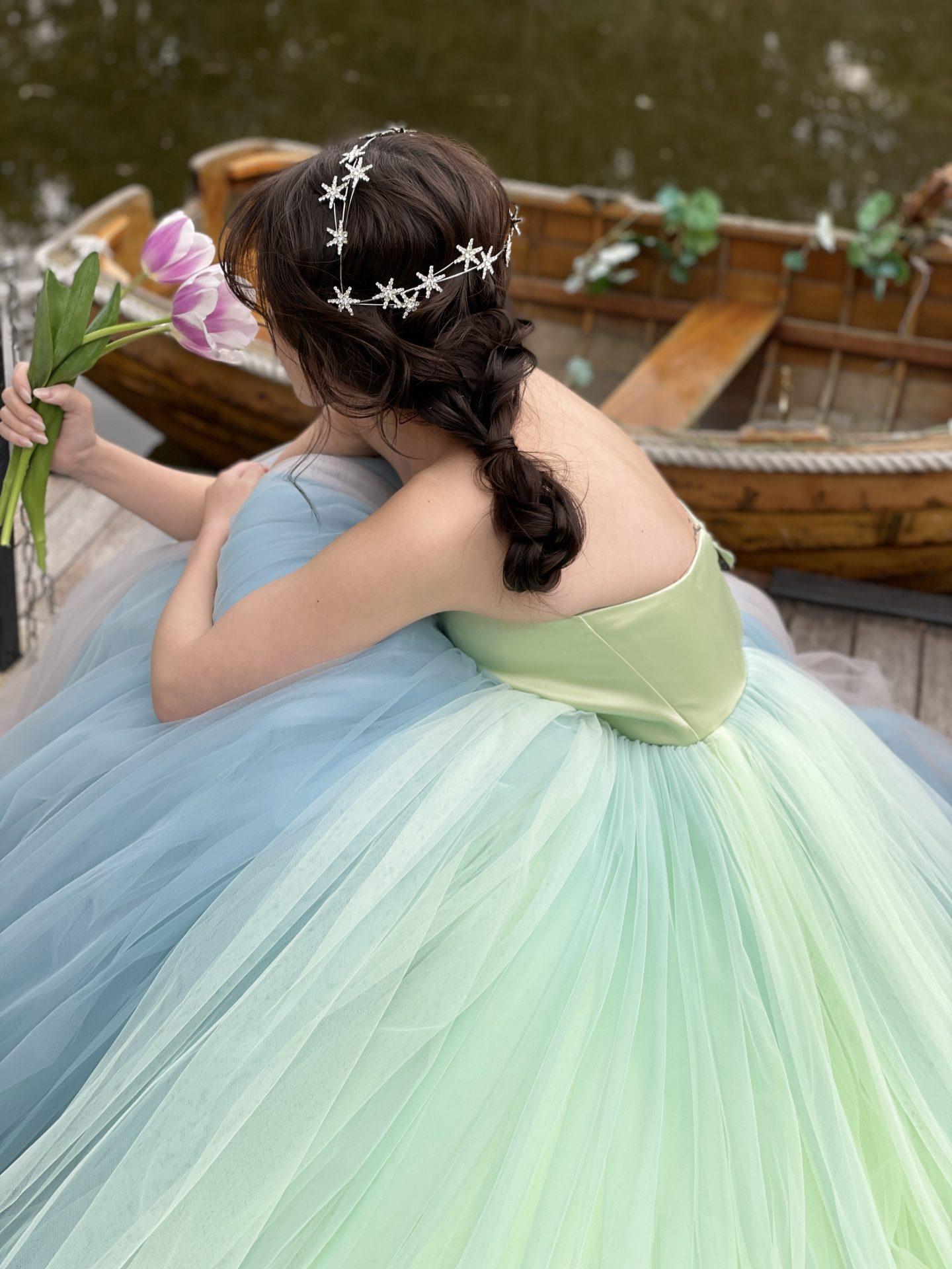大阪の人気の結婚式会場の鶴見ノ森迎賓館は、ウェディングボートに乗ってお色直し入場の演出が人気です。