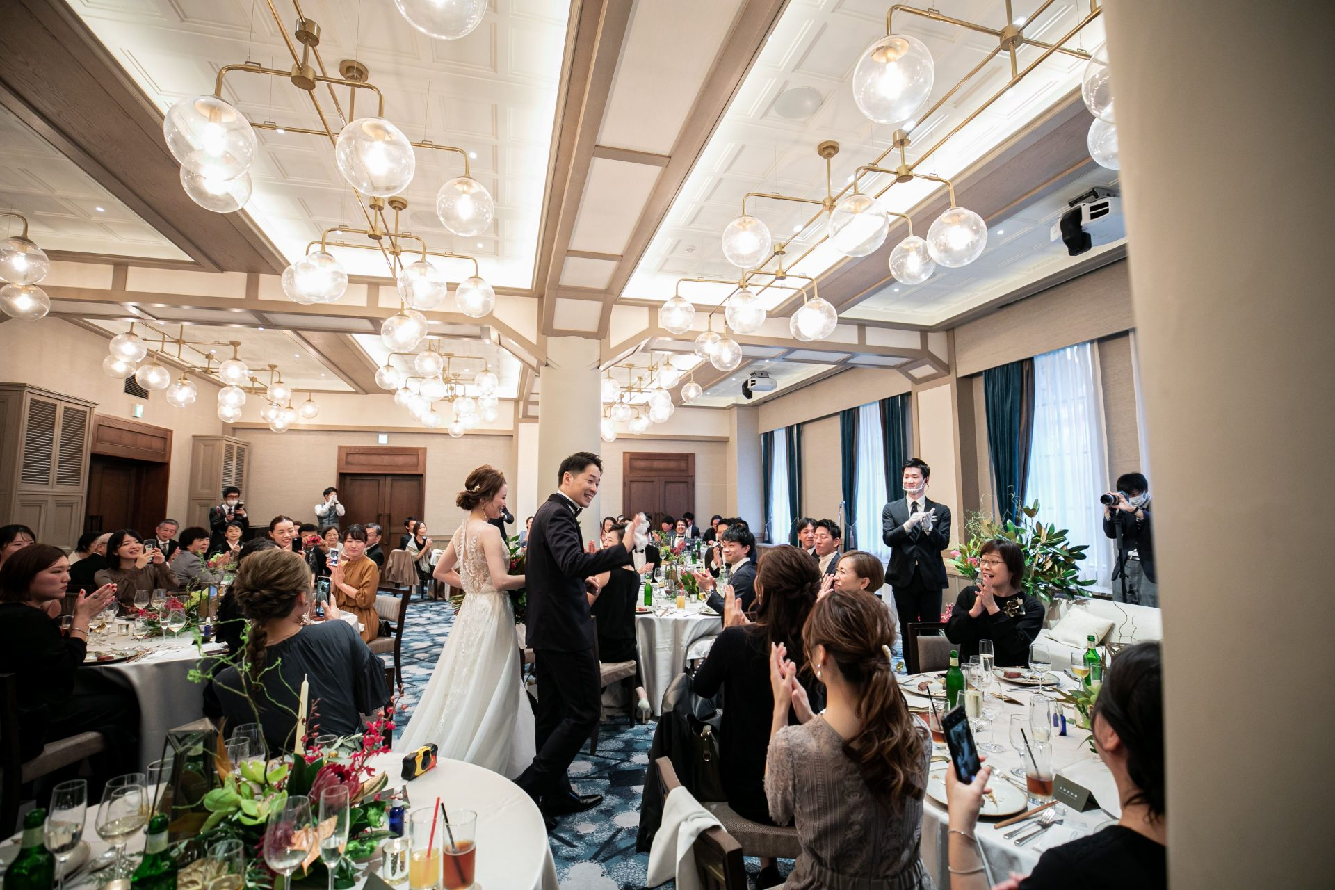 THE TREAT DRESSINGがザ・コンダーハウスでお式をされるご新婦様におすすめのリームアクラのウェディングドレス
