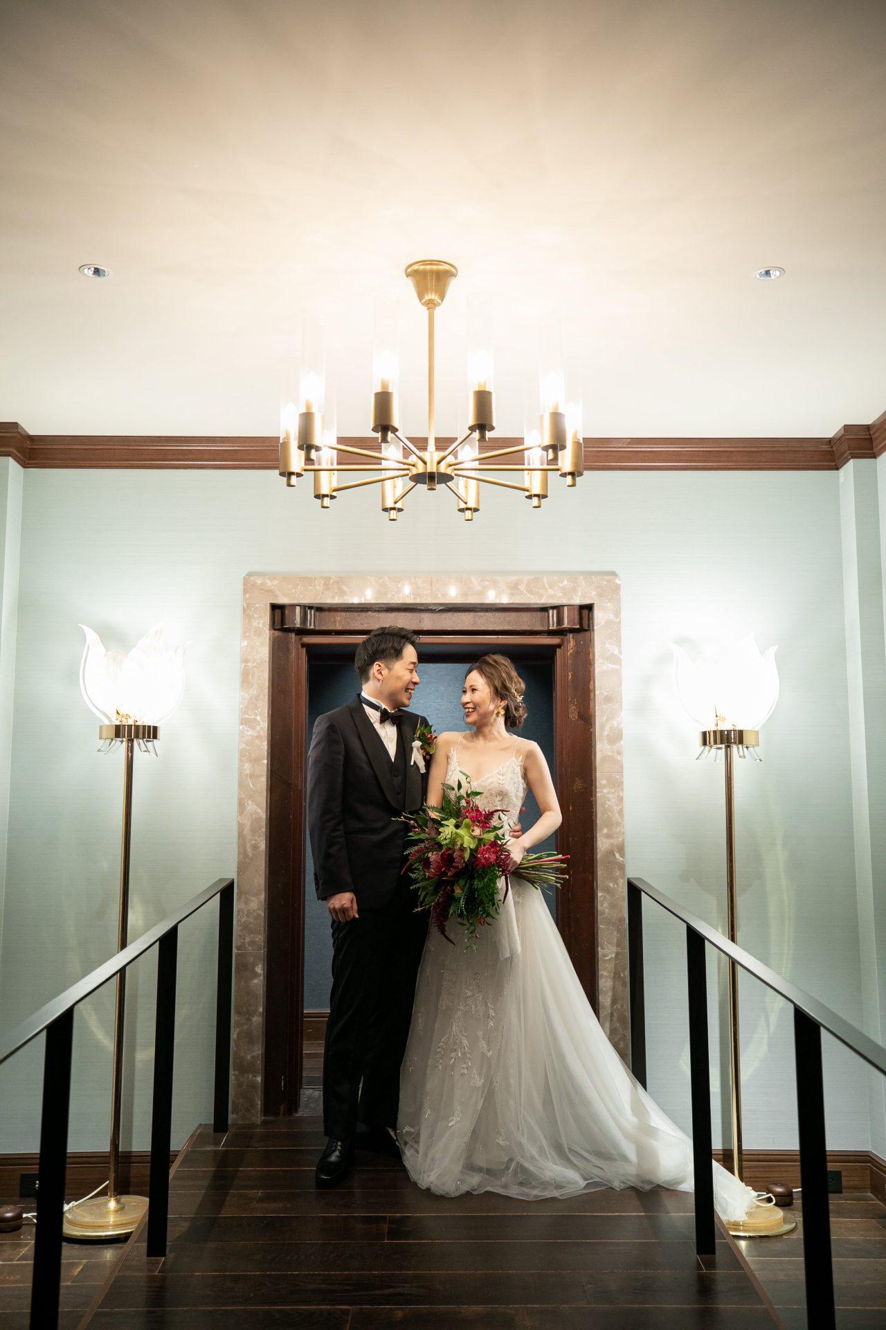 ザ・コンダーハウスでお式や前撮りをされるご新婦様におすすめのReem AcraのAラインのチュールのウェディングドレス