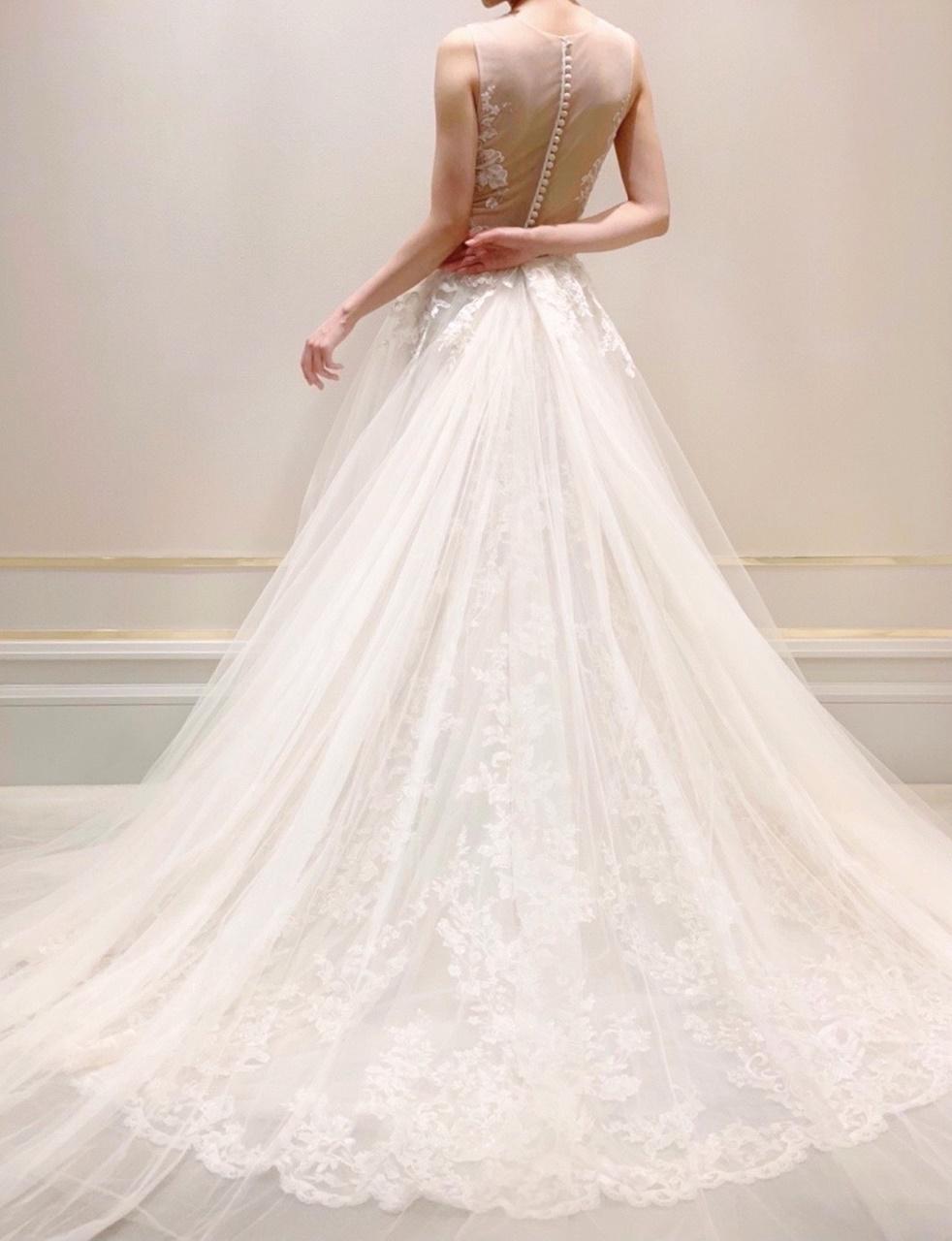 1着でお式をお過ごしいただく方におすすめのがらりと印象を変えていただける2WAYドレス