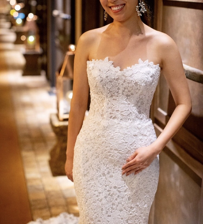 高めのウエストラインでスタイルアップが叶うドレス