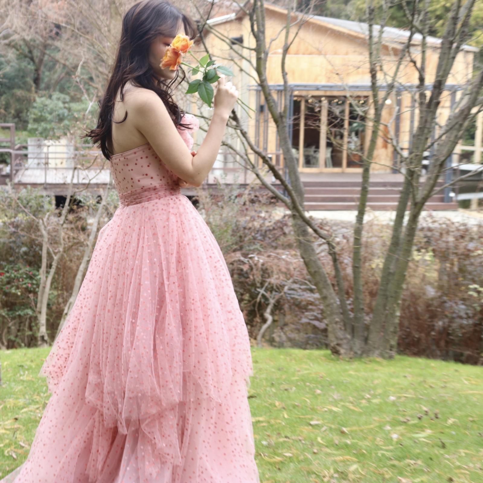 ガーデンがある緑豊かな大阪の結婚式場におすすめしたいオシャレなお色直しのコーディネートのご紹介