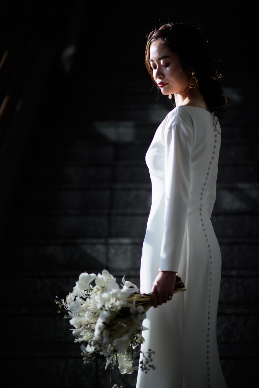 パレスホテル葵東でシンプルモダンにトリートドレッシングのウェディングドレスを着こなすオシャレな花嫁様