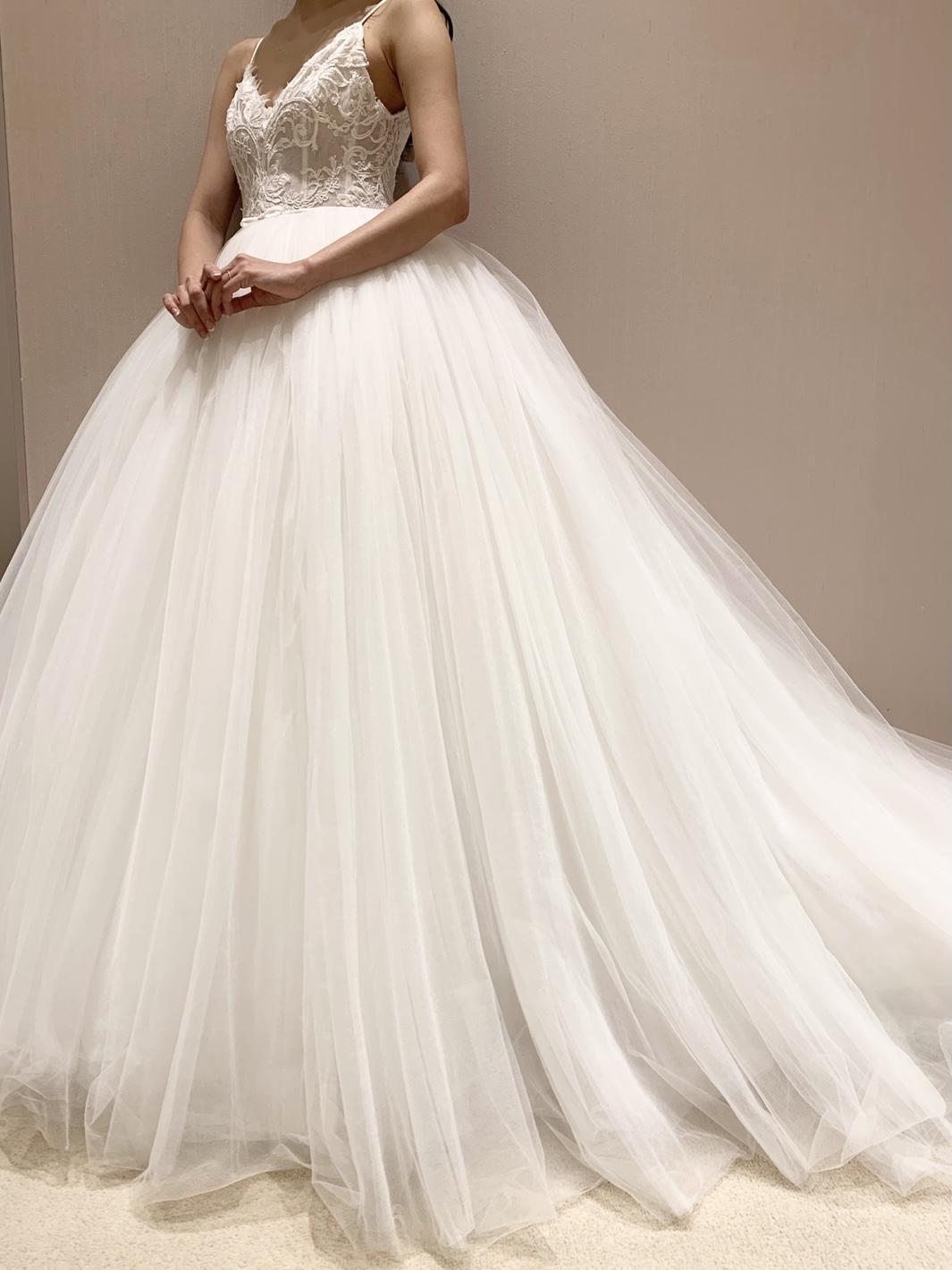THETREATDRESSING神戸店からMonique Lhuillierのプリンセスラインのドレスのご紹介