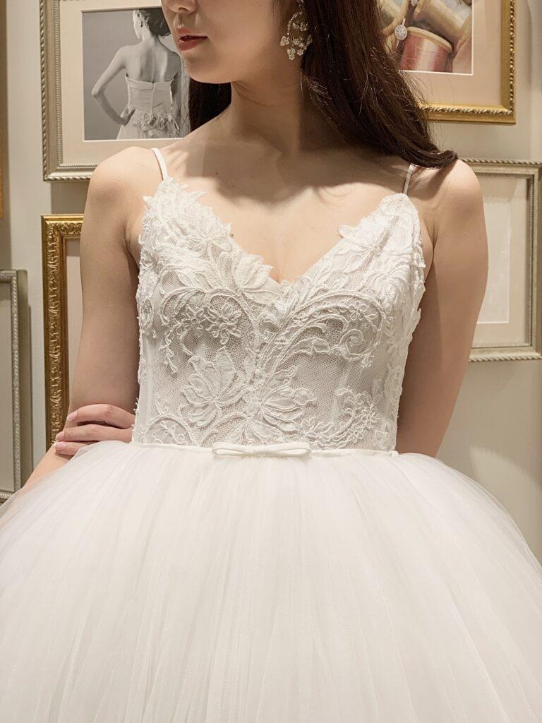 Monique Lhuillier(モニーク・ルイリエ)よりプリンセスラインのウェディングドレスのご紹介
