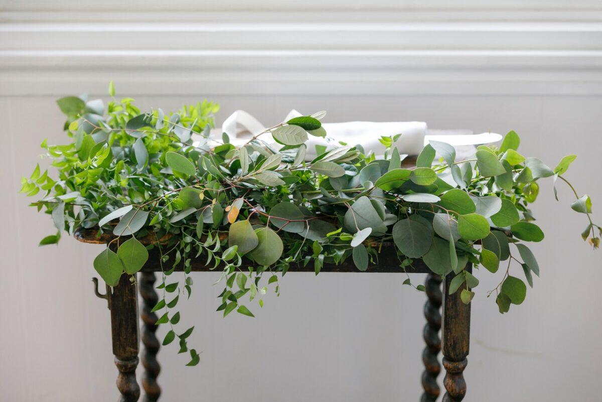レストランラ・マーレでの会場装飾はグリーン中心でナチュラルに