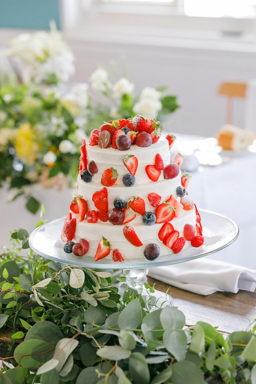いちごたっぷりのウェディングケーキ