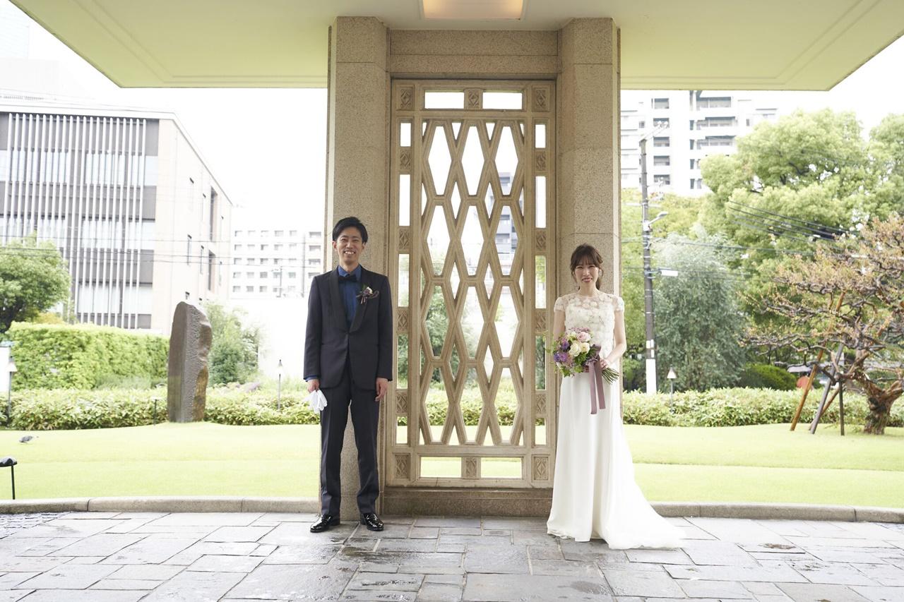 THE GARDEN ORIENTAL OSAKA(ザ・ガーデン・オリエンタル大阪)の提携のドレスショップであるザ・トリートドレッシングでおすすめのとろみのあるクレープ素材が美しいアムサーラのウェディングドレス