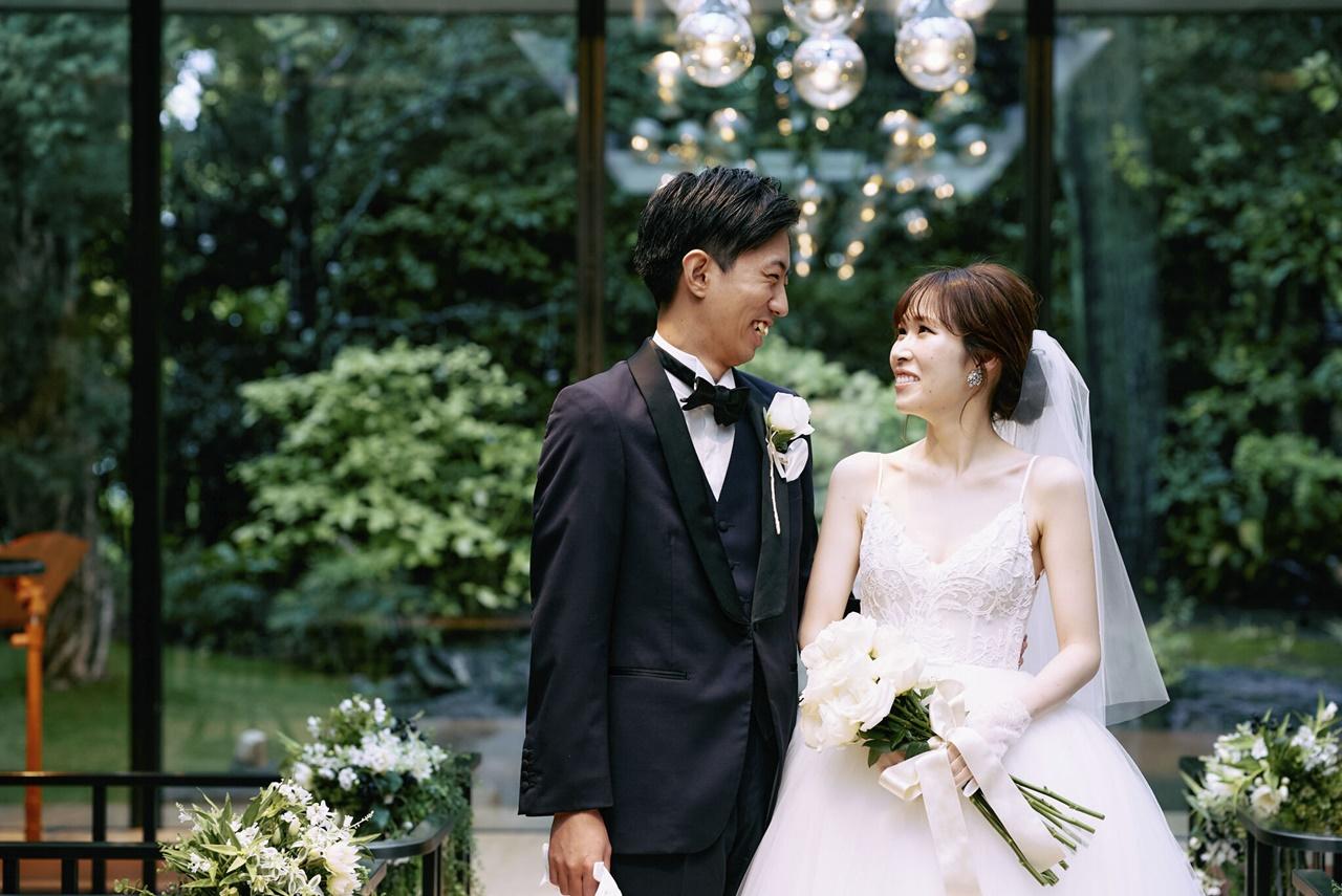 THE GARDEN ORIENTAL OSAKA(ザ・ガーデン・オリエンタル大阪)で叶えるおしゃれな結婚式におすすめのモニーク・ルイリエのウェディングドレス