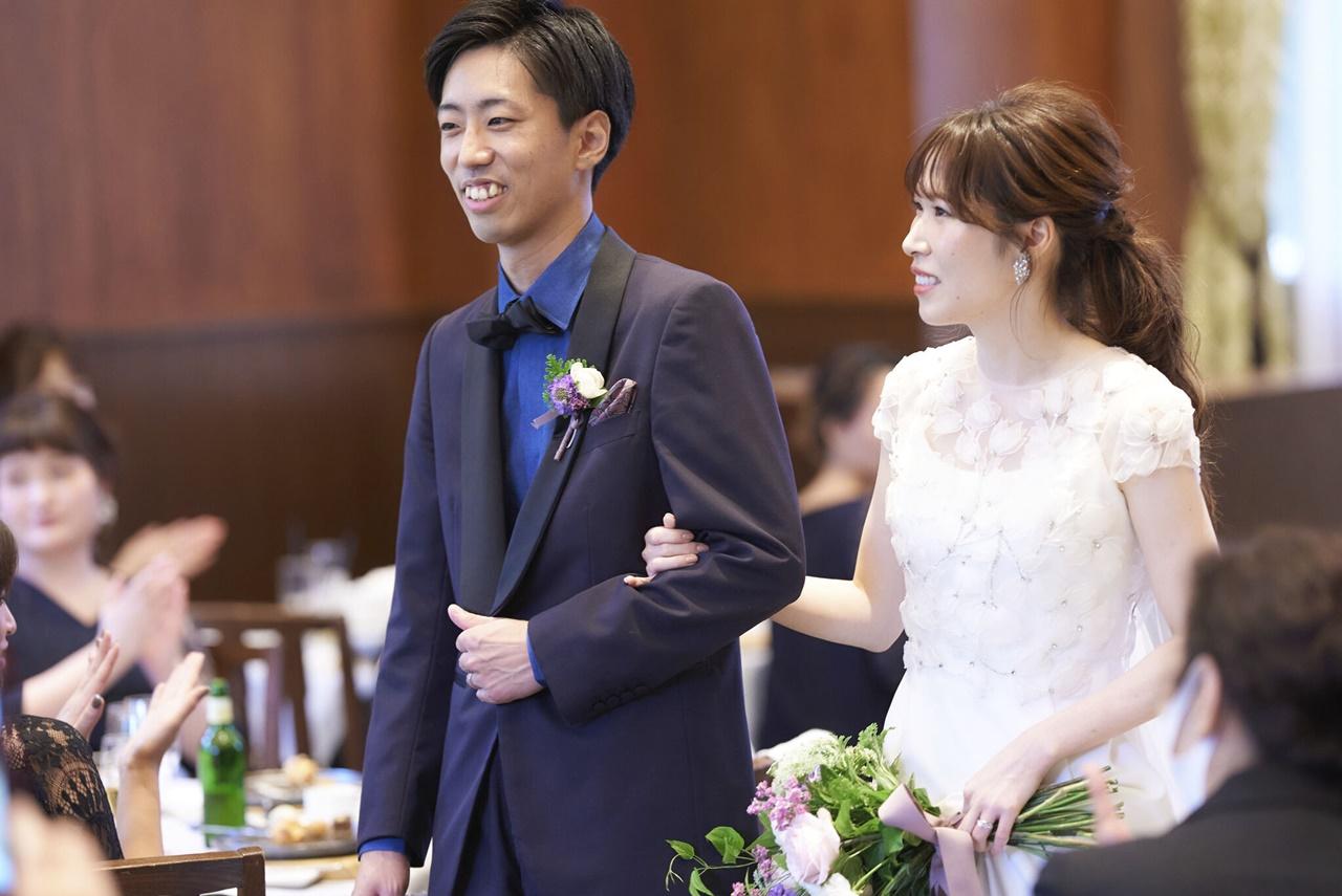 大阪の結婚式会場におすすめのザ・トリートドレッシング大阪店でお取り扱いしているナチュラルな印象でお召しいただけるアムサーラのウェディングドレス