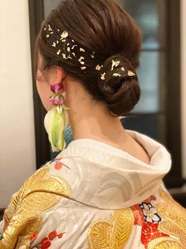 ザトリートドレッシング京都店が前撮りにおすすめしたい華やかな和装に合わせ金箔でヘアアレンジをしたコーディネート