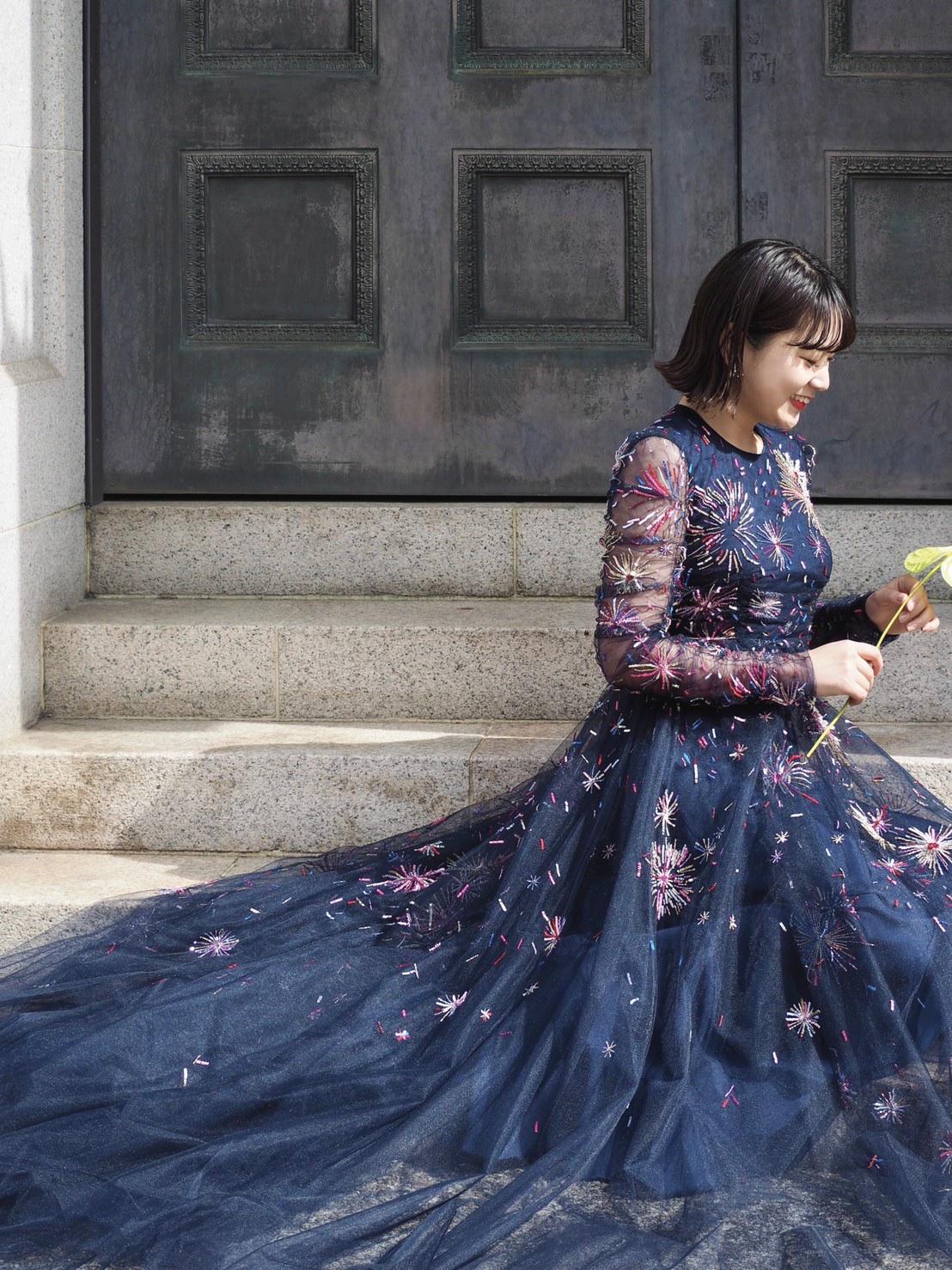 ザトリートドレッシング神戸がおすすめするシャーリングスリーブがロマンティックなモニークルイリエのカラードレスのご紹介
