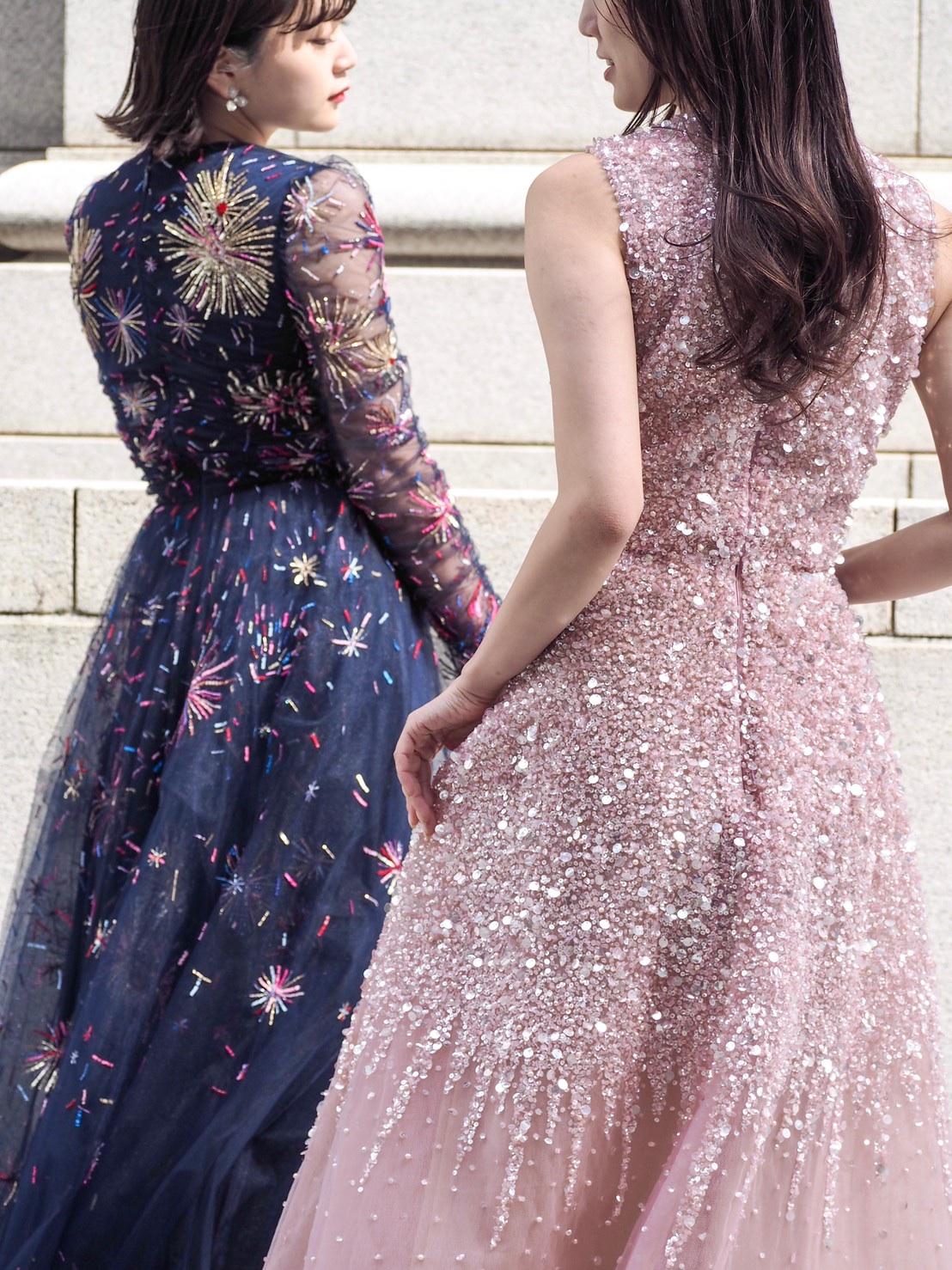 ザトリートドレッシング神戸店にてお取り扱いのあるビジューが美しいモニークルイリエとリームアクラのカラードレスのご紹介
