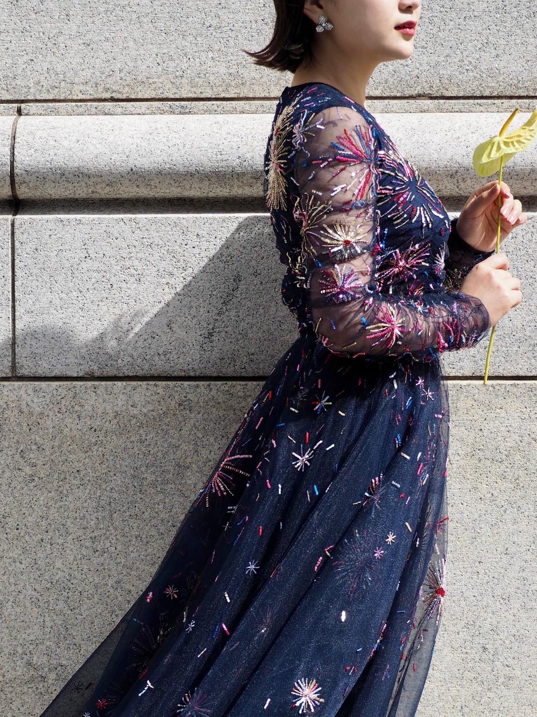 ザトリートドレッシング神戸にてお取り扱いのあるモニークルイリエのミッドナイトブルーカラードレスのご紹介