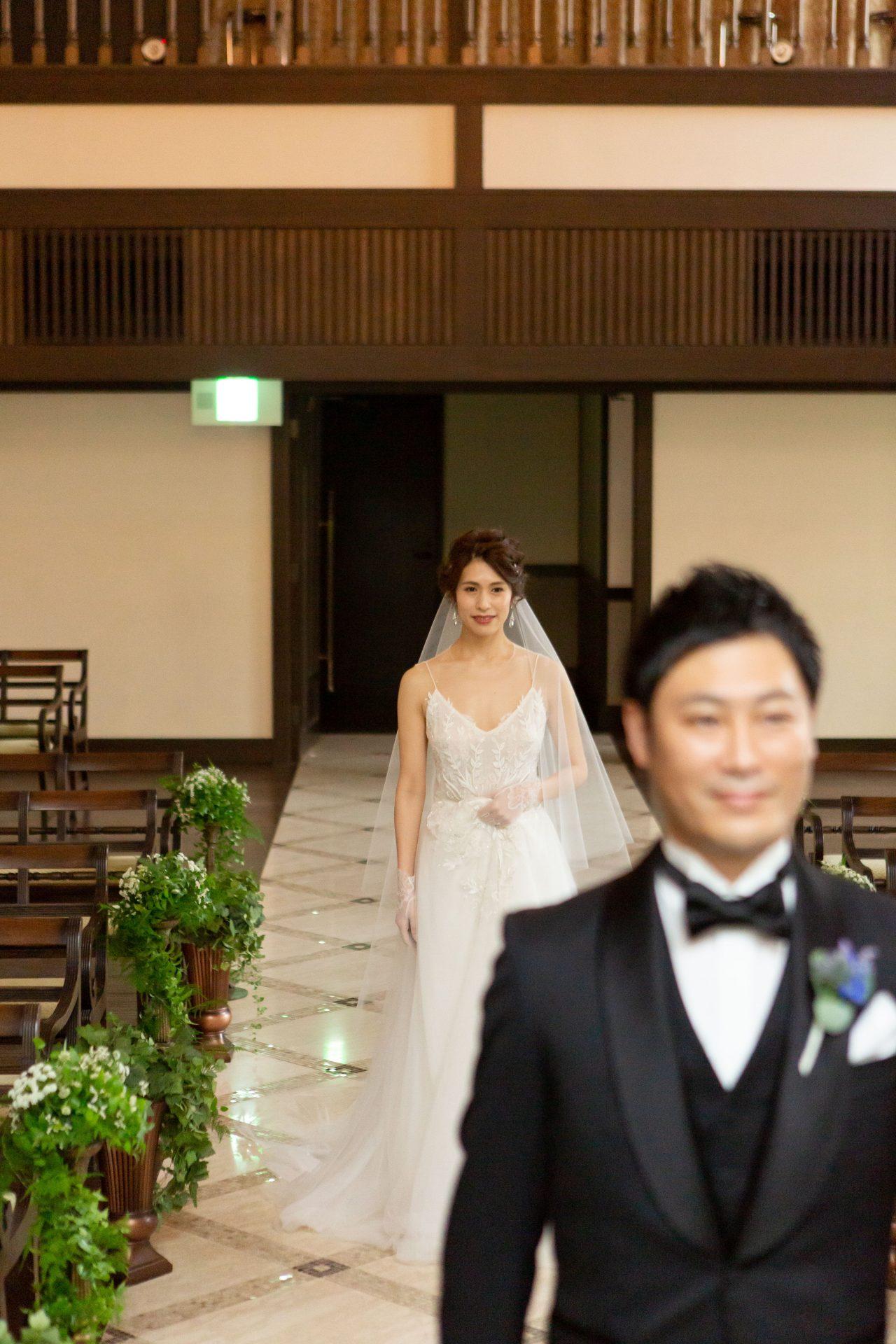 ザ・トリート・ドレッシング京都店にてお取り扱いのあるリームアクラのキラキラと刺繍の輝きが美しいウェディングドレス