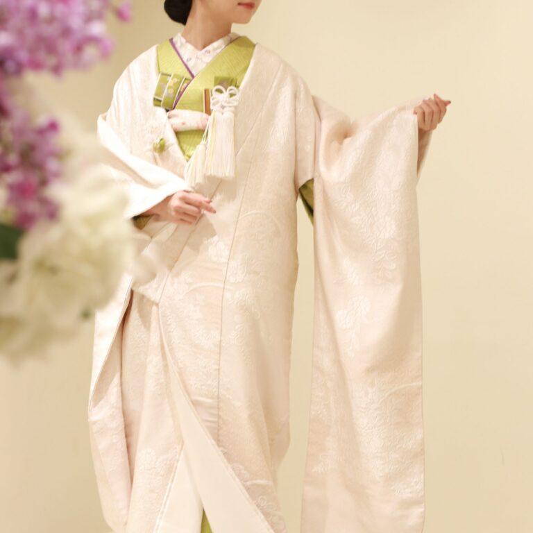 日本の婚礼衣裳、白無垢をモダンに着こなすおすすめのコーディネート