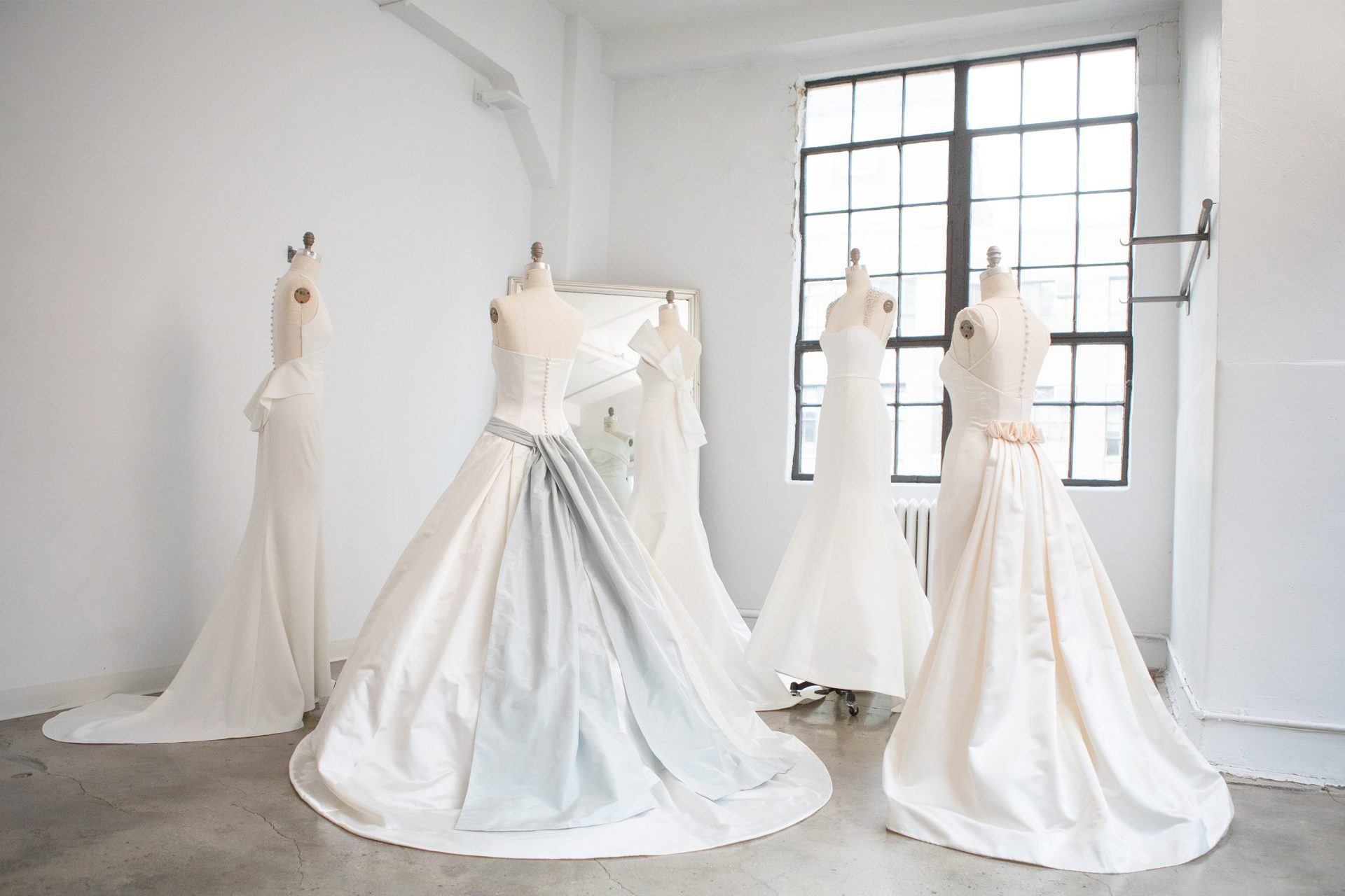 ザ・トリート・ドレッシングがブライダル業界の最新トレンドについてレポート。2021年におすすめのドレスもご紹介しています。