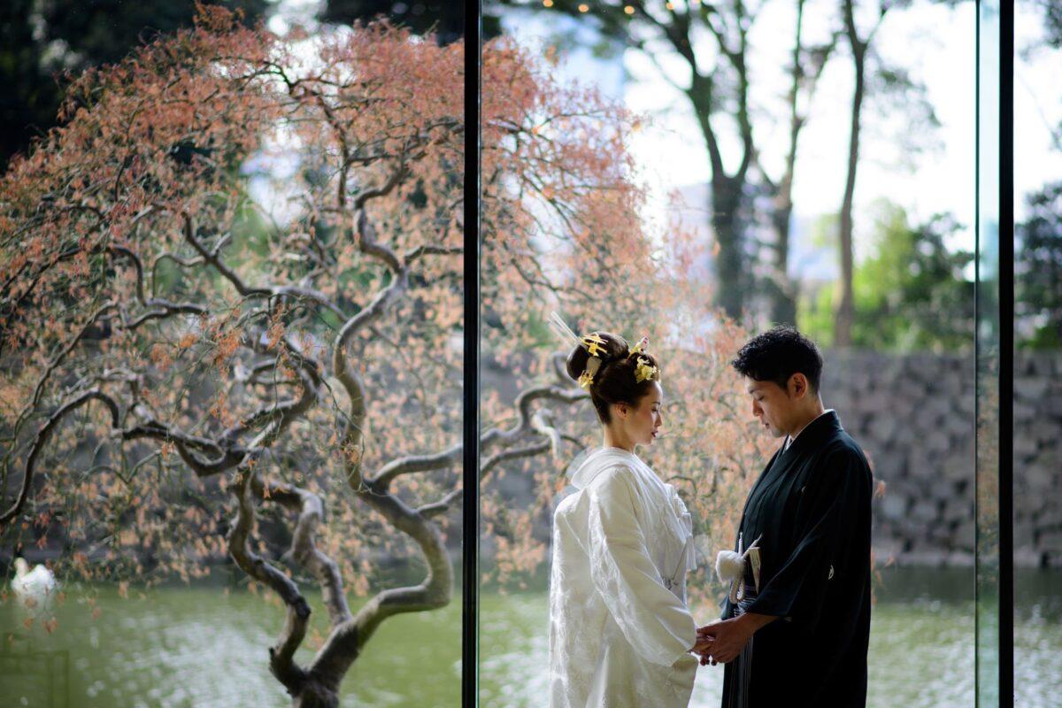 東京大手町からアクセスの良いパレスホテル東京は、白無垢や紋付羽織袴など和装での結婚式や前撮りも多くおこなわれている人気結婚式会場です