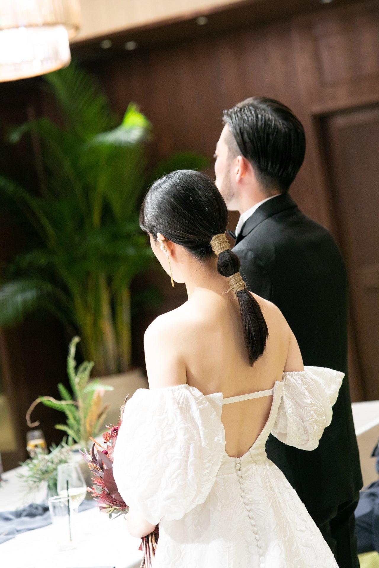 THE TREAT DRESSING名古屋店で家族式や少人数式におすすめの2WAYのウェディングドレス