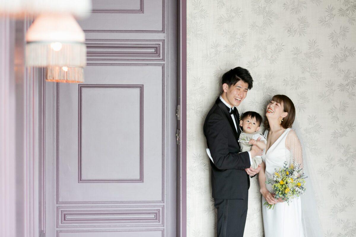 運命の1着 シンプルでクリーン、タイムレスな花嫁像を叶えるAMSALE(アムサーラ)のウエディングドレス