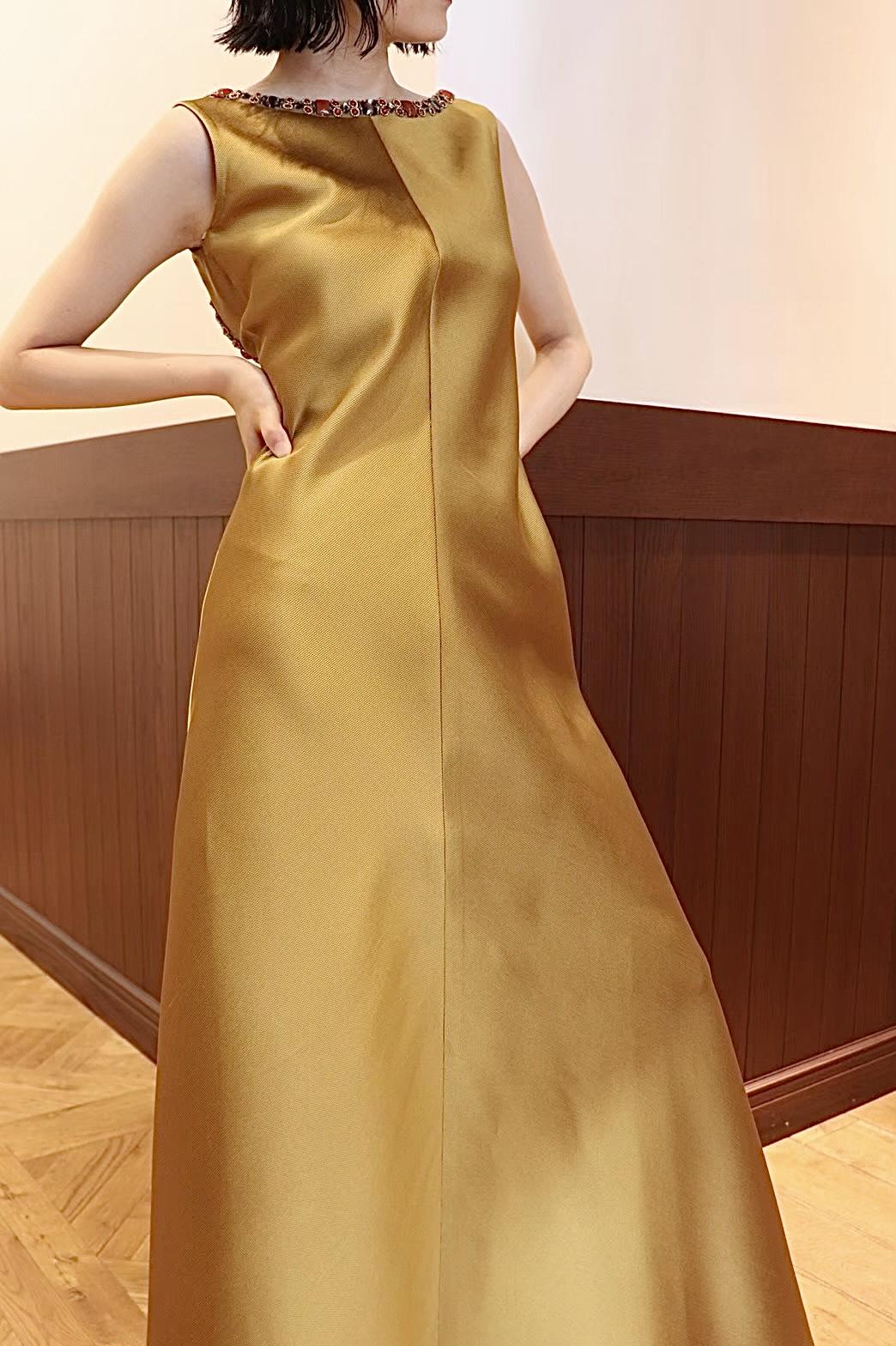 ザトリートドレッシング名古屋店がおすすめするREEM ACRA(リームアクラ)のゴールドのカラードレス