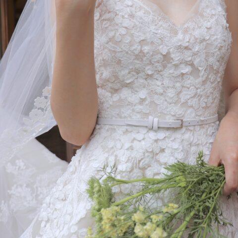 THE TREAT DRESSING名古屋店でお取り扱いしているエリサーブのシャンテリーレースがきれいな新作ウェディングドレス