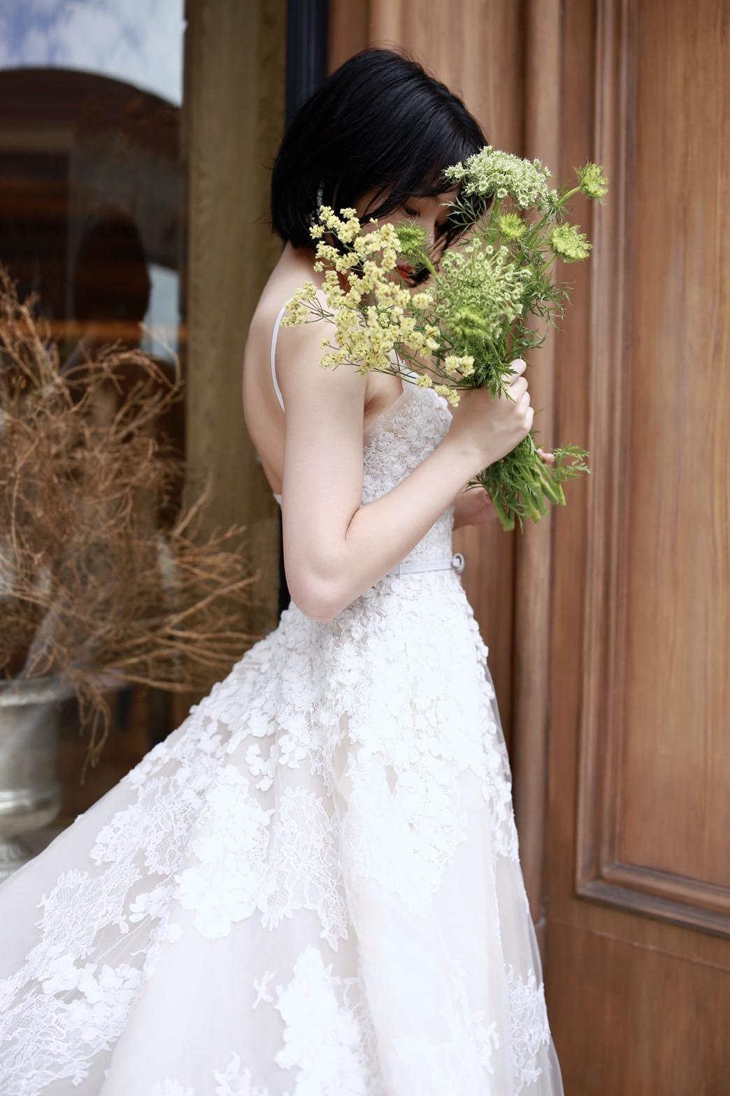 THE TREAT DRESSING名古屋店で人気のAラインのエリサーブの新作ウェディングドレス