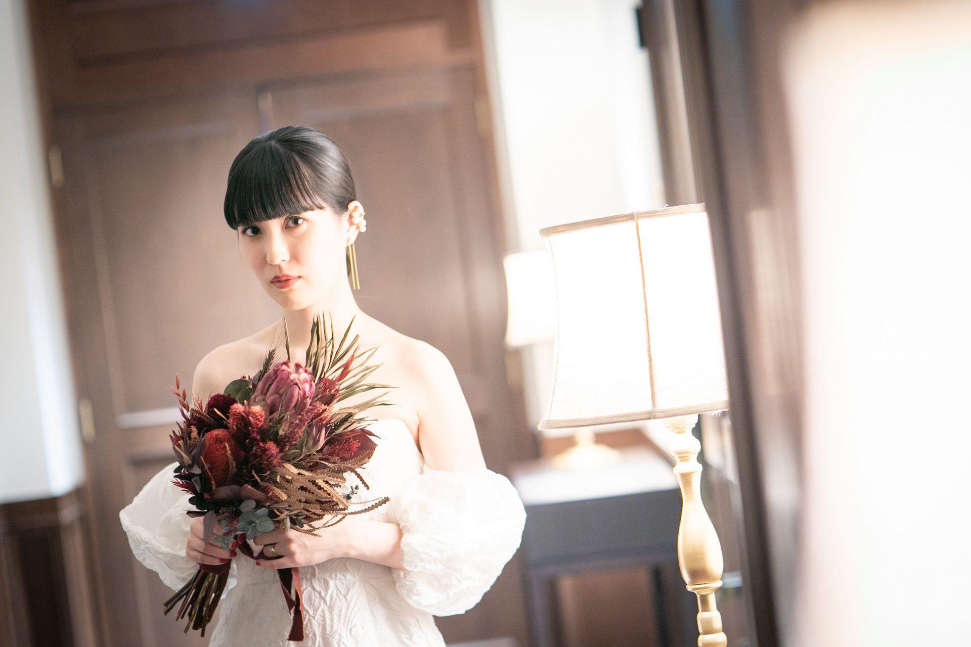アットホームな結婚式におすすめのTHE TREAT DRESSINGで人気のLELAROSEのウェディングドレス
