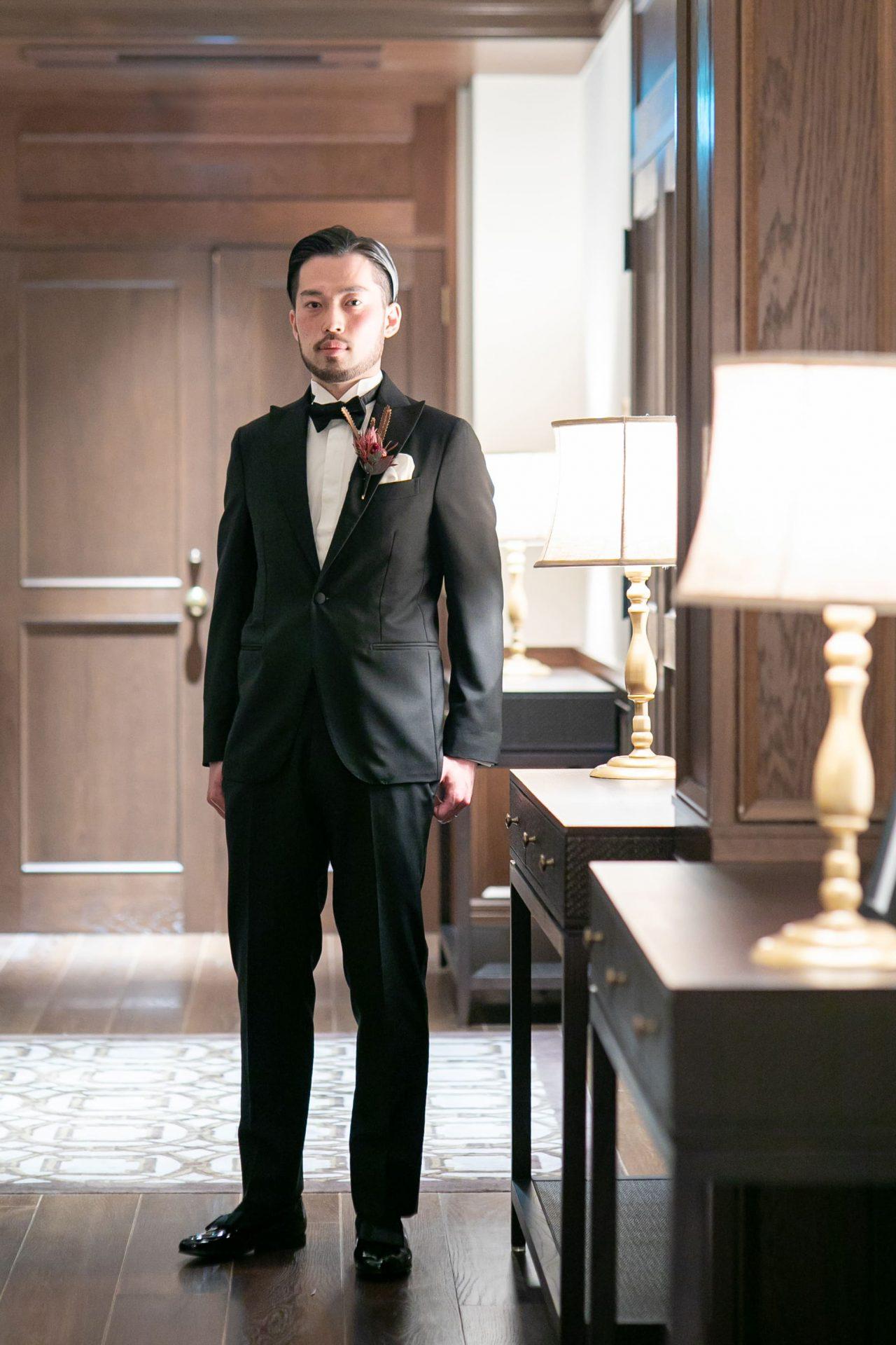 ザトリートドレッシング名古屋店よりクラシカルスタイルをお好みのご新郎様におすすめのブラックタキシード