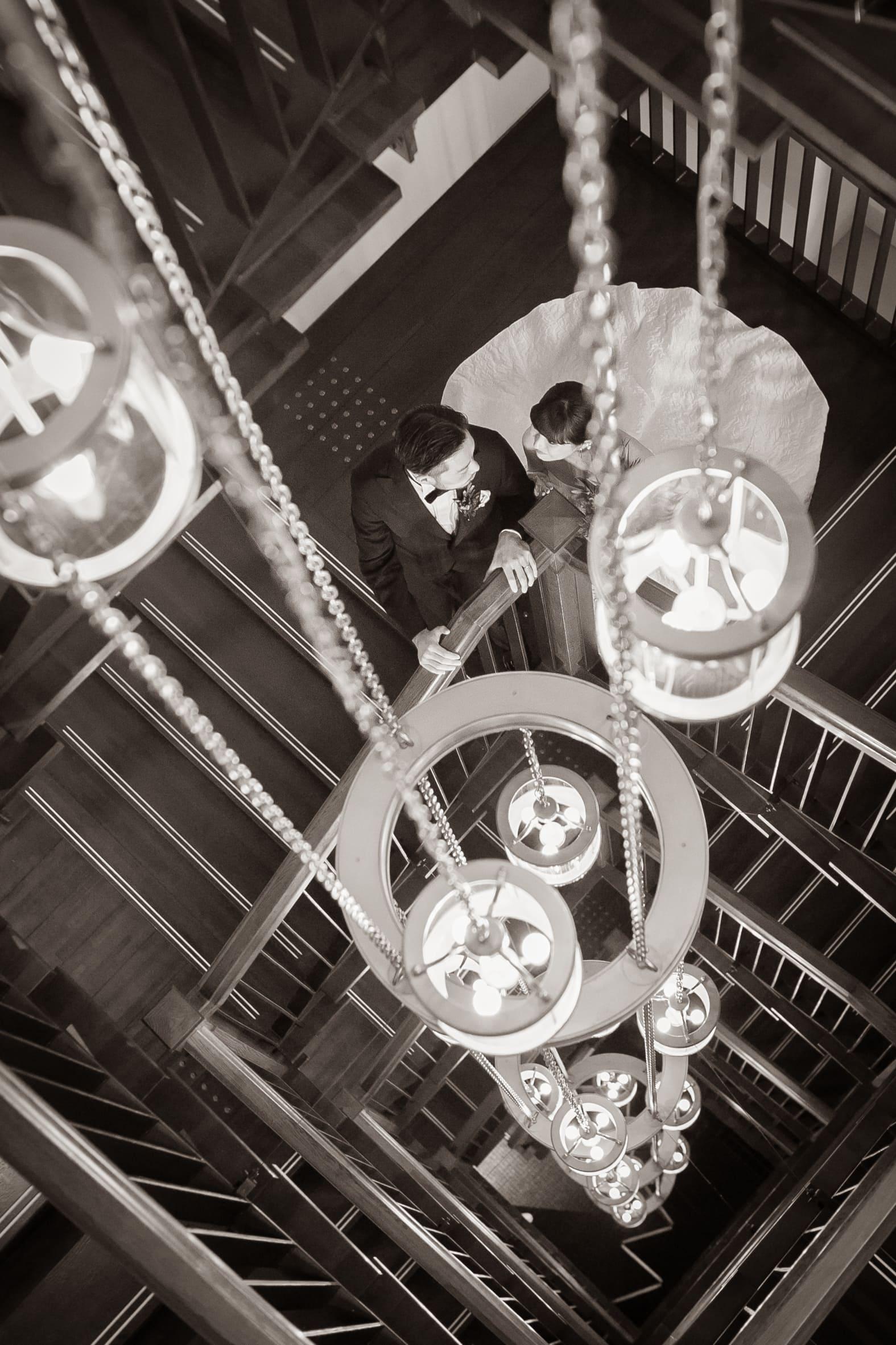 ザトリートドレッシングにて人気のレラローズの2WAYのウェディングドレスの洗練されたコーディネート