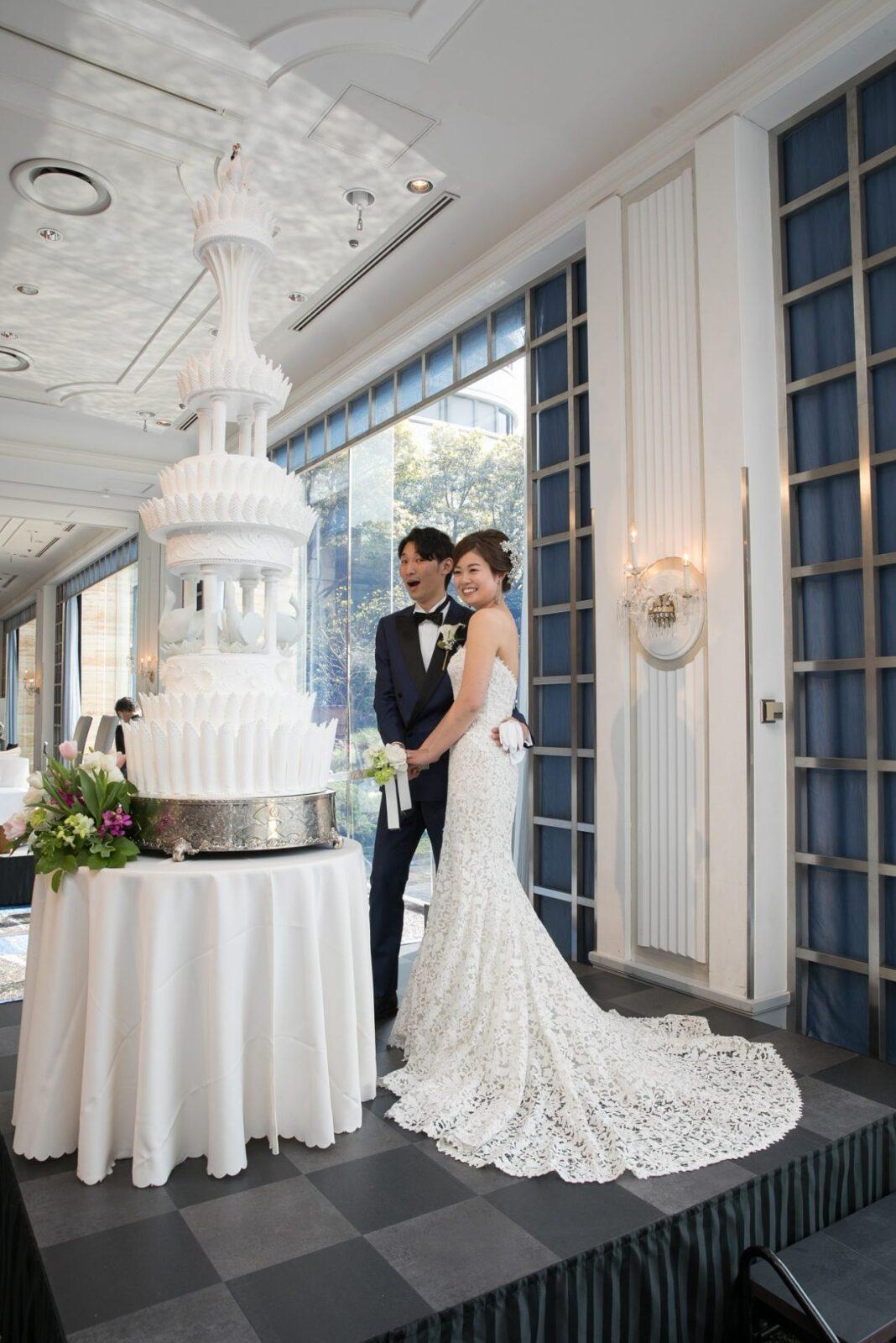 曲線が美しいモニークルイリエのマーメイドラインのレンタルウェディングドレス