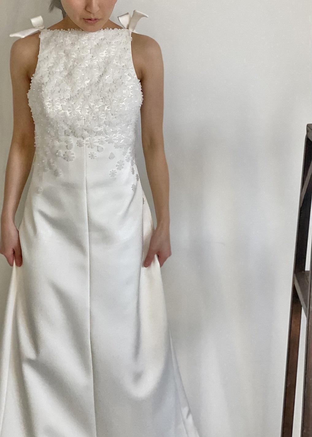 マイクロウェディングにぴったりなファッショナブルでオシャレなレンタルウェディングドレス