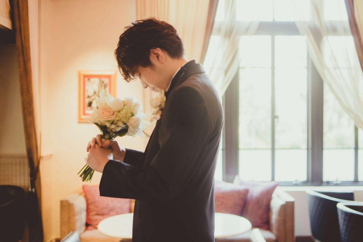 東京都指定有形文化財の結婚式場にて叶えるファーストミートは、ご新郎様も緊張の瞬間です。
