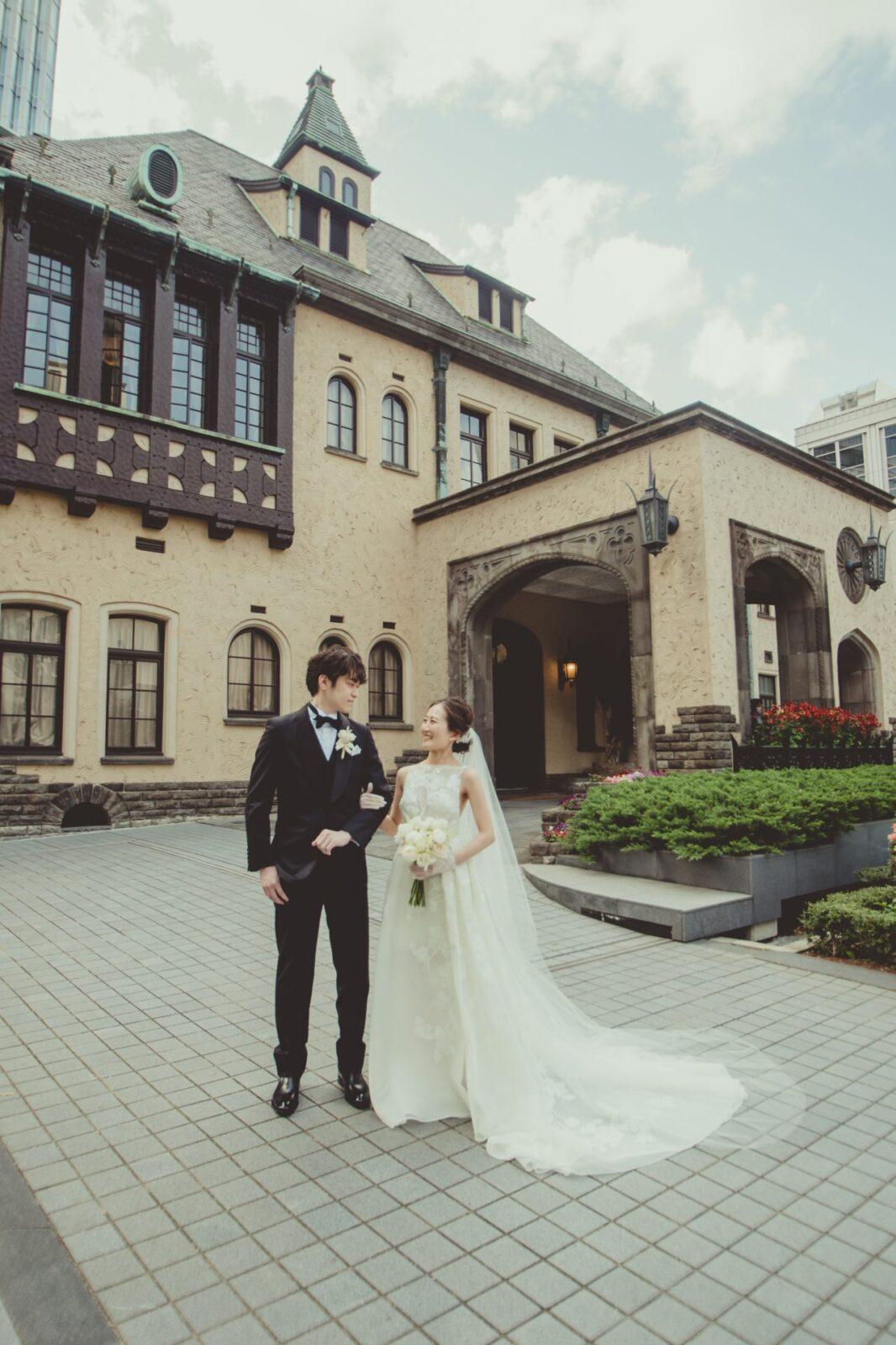 赤坂プリンスクラシックハウスにて、ザ・トリート・ドレッシング アディション店で取り扱うインポートブランド エリーサーブのAラインのウェディングドレスを身に纏ったおしゃれ花嫁様の挙式レポートです